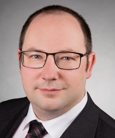 Dr. Förster, Frank