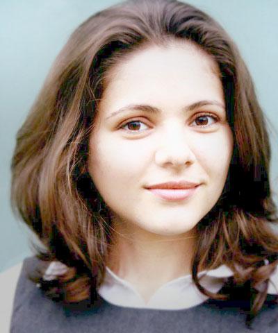 Dr. Patras, Maria